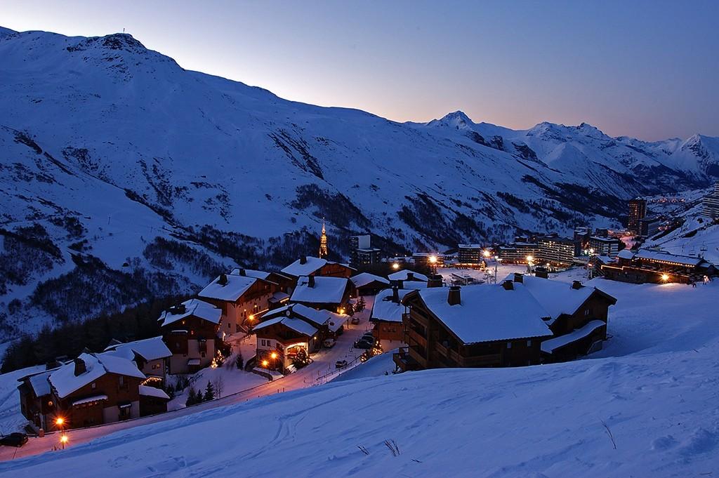 Les ménuires bei Nacht / Ski Frankreich